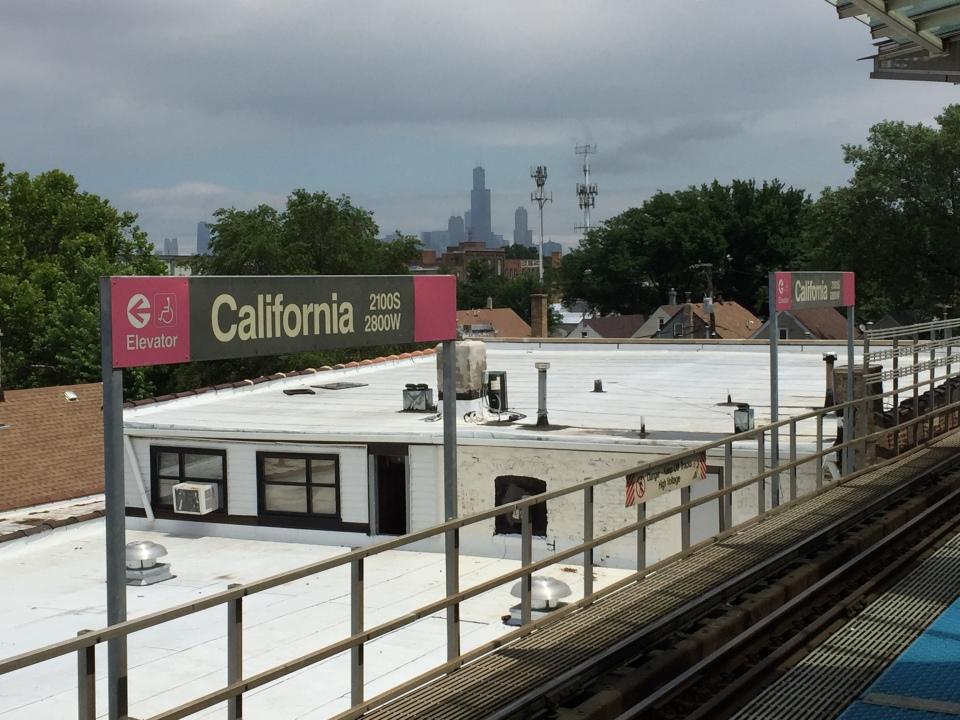 California CTA Pink Line Stop